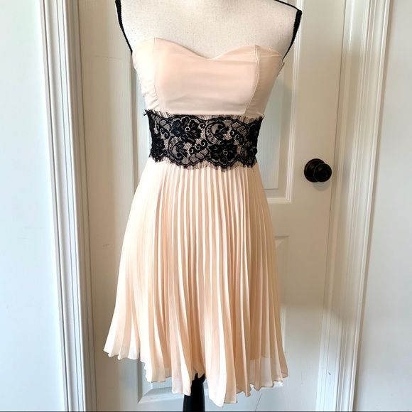 ASOS Dresses & Skirts - NWT ASOS Elise Ryan Chiffon Strapless Dress—SZ. 8